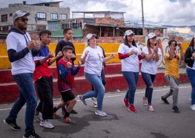 Voluntarios participando Scotiabank Colpatria